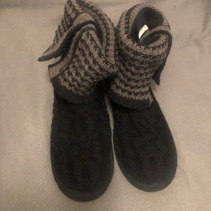 UGG Australia Leland boot sweater knit 7 black